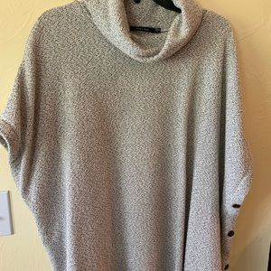 Doe & Rae white-gray cowl-neck sweater shell, L